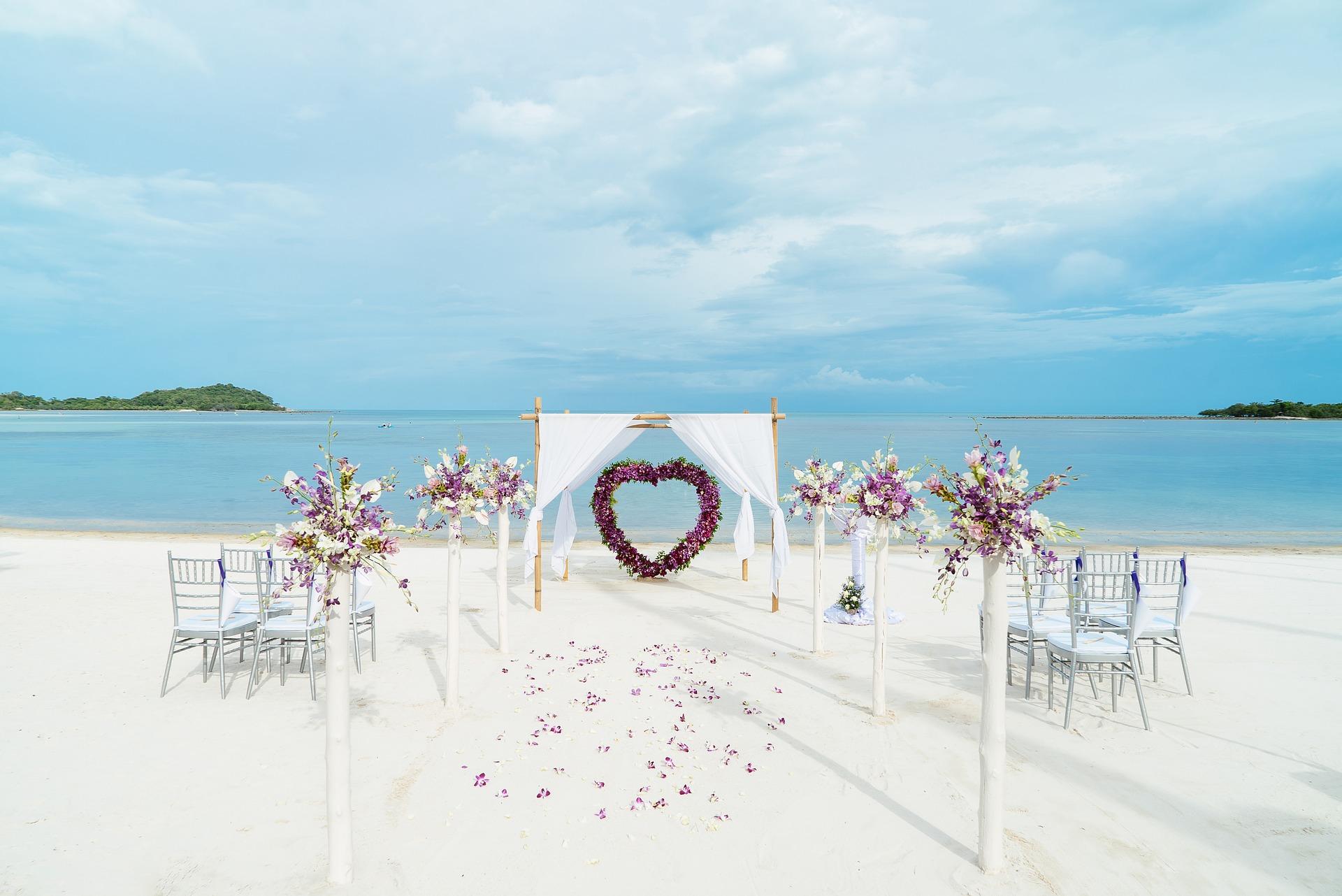 Nunta la Malul Marii: idei și sfaturi